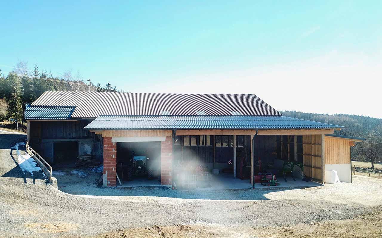 Das ist ein Foto von einem Profilblech Eindeckung Dach
