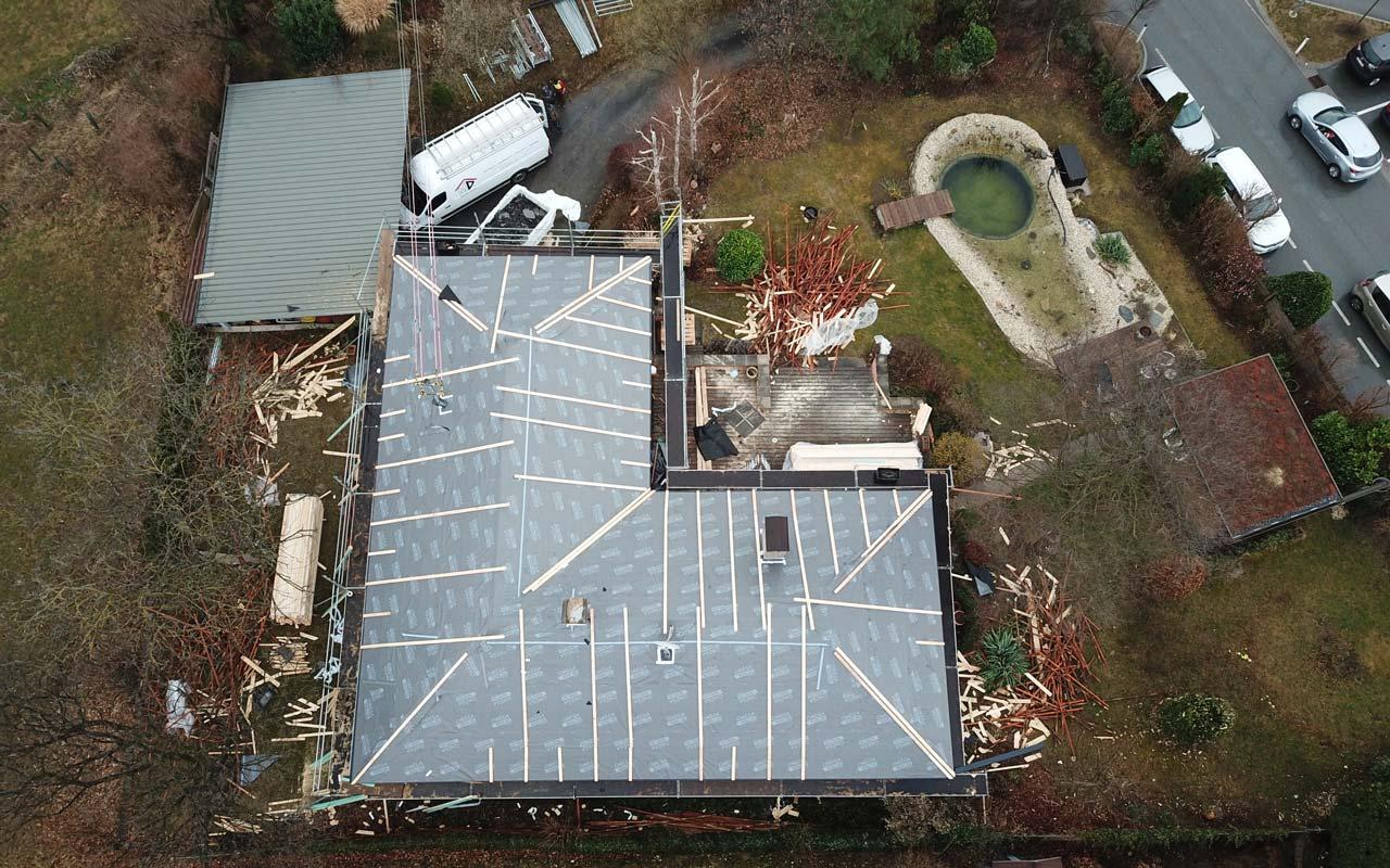 Das ist ein Foto von einem Eternit Toscana Dach